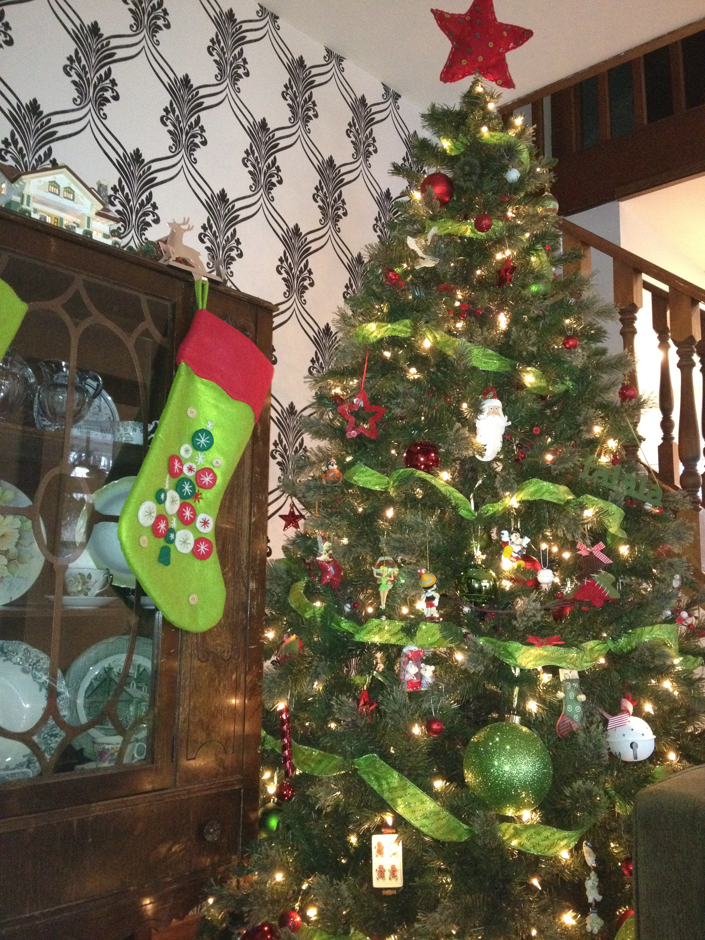 Oh Christmas Tree ~ #WordlessWednesday {Linky}