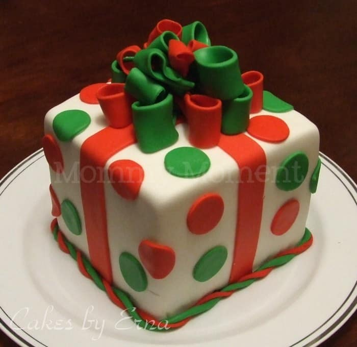 Christmas Cake Ideas Presents : A gift (cake) for you! - Mommy Moment