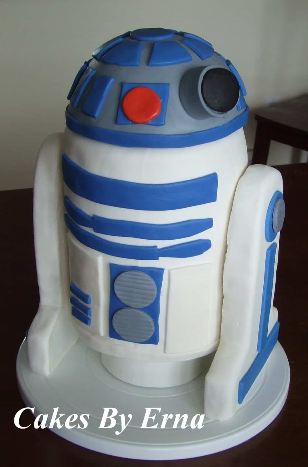 R2-D2 Birthday Cake