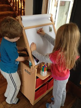 Desk to Easel Art Cart {A Guidecraft Educator #Giveaway ~ arv $200}
