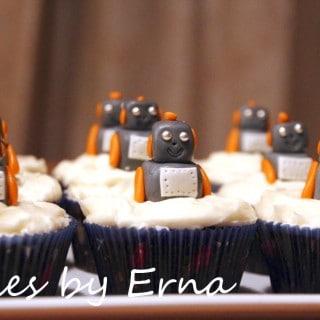 Robot Cupcakes #CakesbyErna