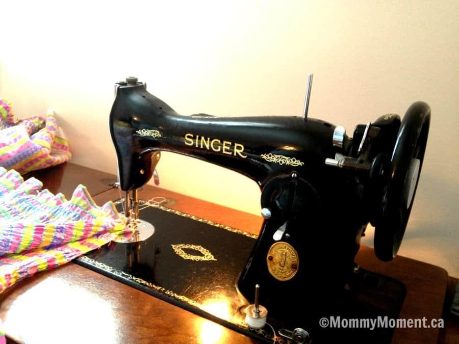 old fashion sewing machine