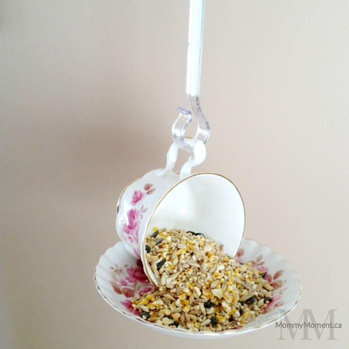 Beautiful DIY tea cup bird feeder craft would make a lovely gift.