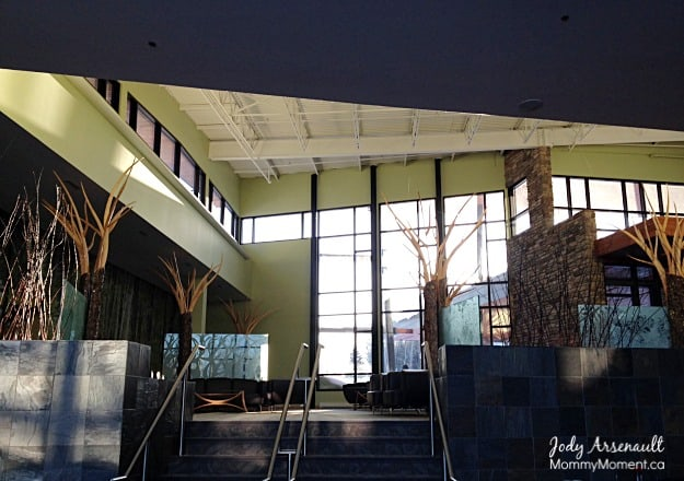 lakeview-hecla-lobby