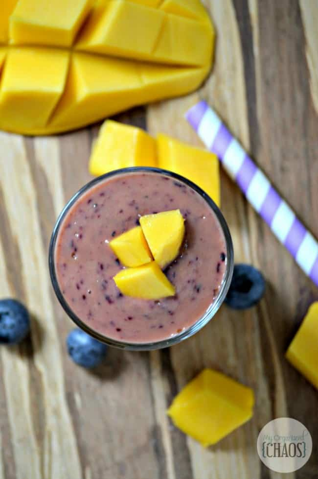 easy-Blueberry-Mango-Smoothie-recipe-e1433089773978