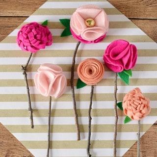 DIY NO SEW FELT FLOWERS WITH TWIGS