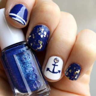 SUMMER NAUTICAL NAIL DESIGN