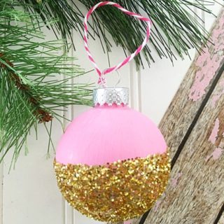 DIY CHRISTMAS ORNAMENT IN PINK & GOLD