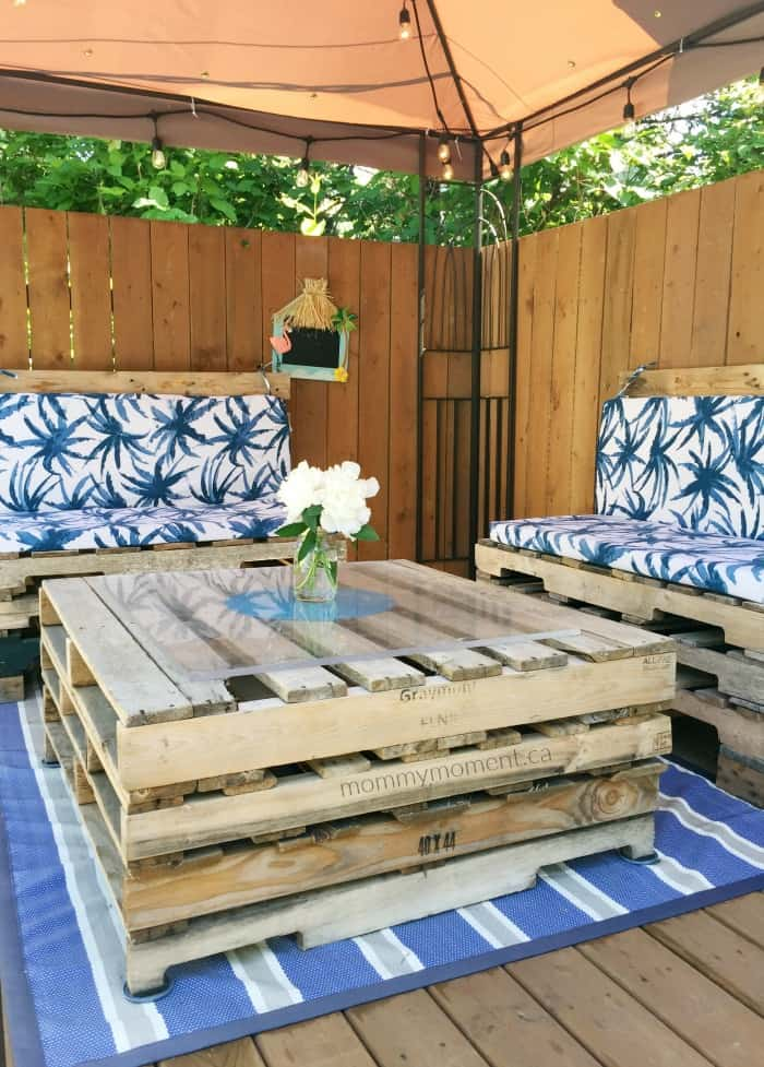 DIY pallet project patio furniture