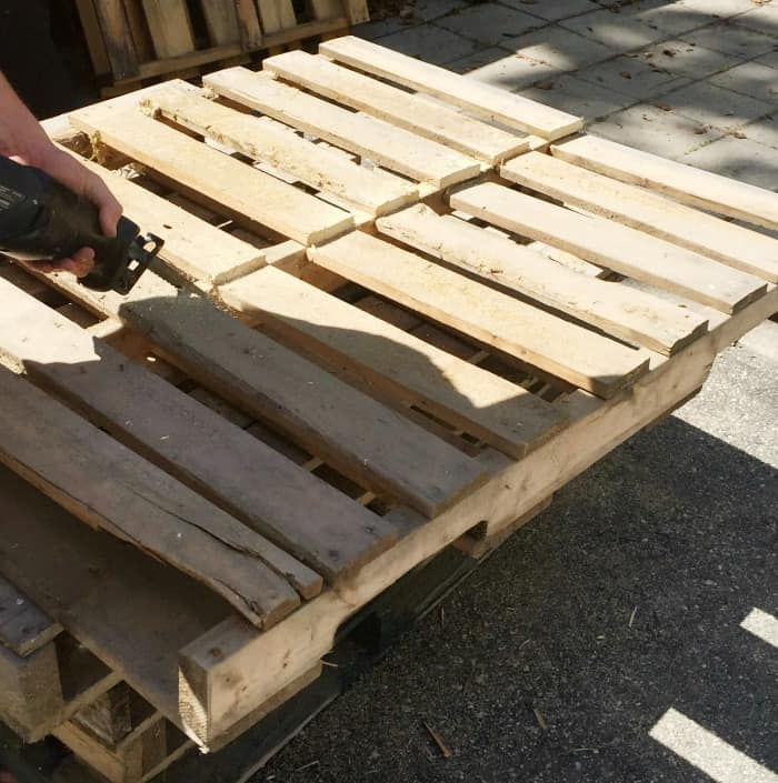 PATIO FURNITURE PALLET PROJECT