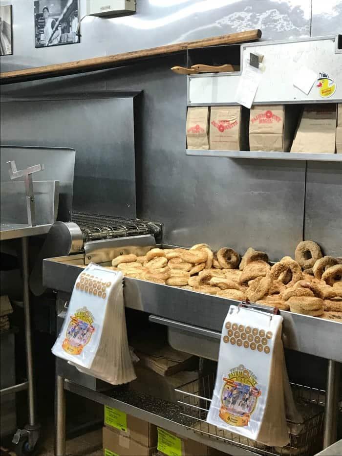 fairmount bagels montreal