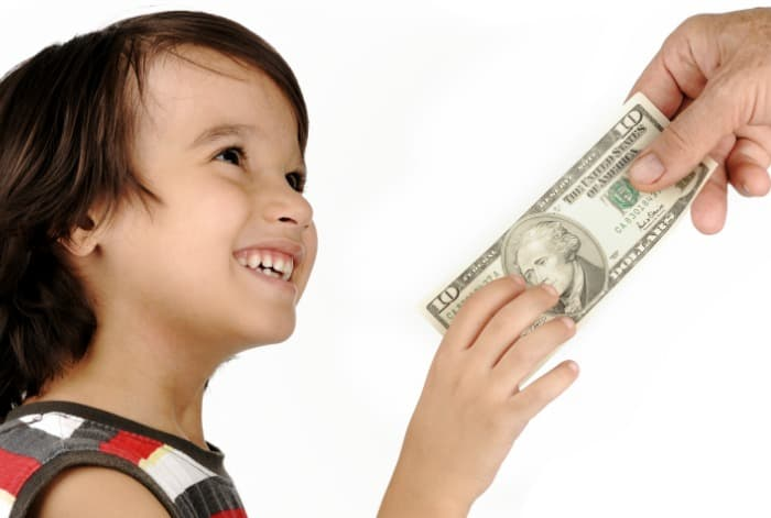 What are the benefits of allowance for kids?